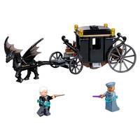 LEGO 75951 Fantastic Beasts Grindelwald's Escape from Blain's Farm and Fleet