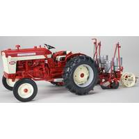 SpecCast 1:16 International 340 Wide Front, 251 Planter from Blain's Farm and Fleet