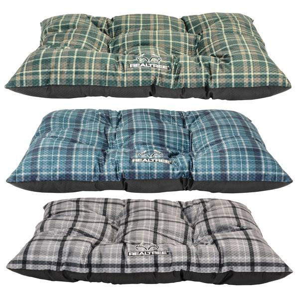 """30"""" x 40"""" Tufted Plaid Pet Bed with Realtree Logo Assortment"""