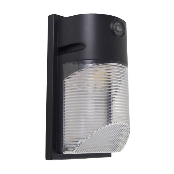 120V 700 Lumen Dusk-to-Dawn Security Light