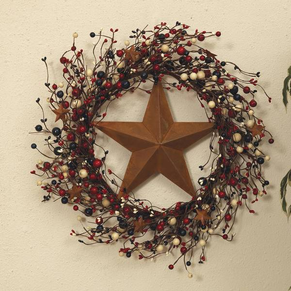 Americana Twig & Berry Wreath with Rustic Star