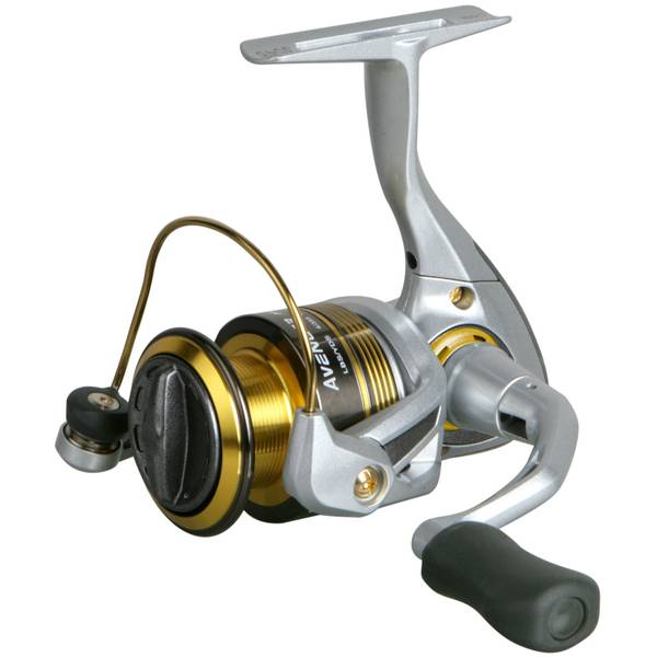 8.2 oz Avenger Spinning Reel