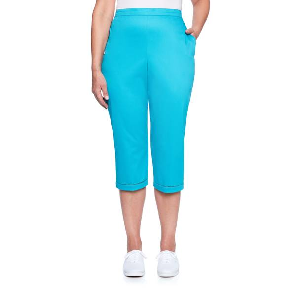 Women's Faggoting Stone Stitch Capri Pants