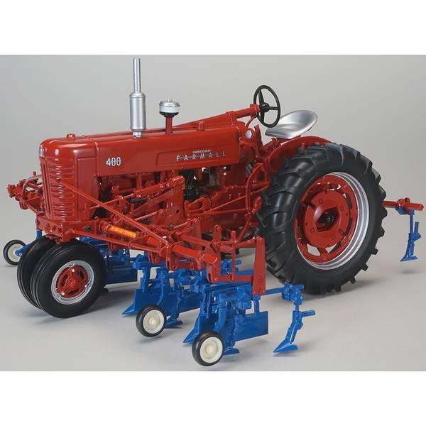1:16 Farmall 400 with 4 Row Cultivator