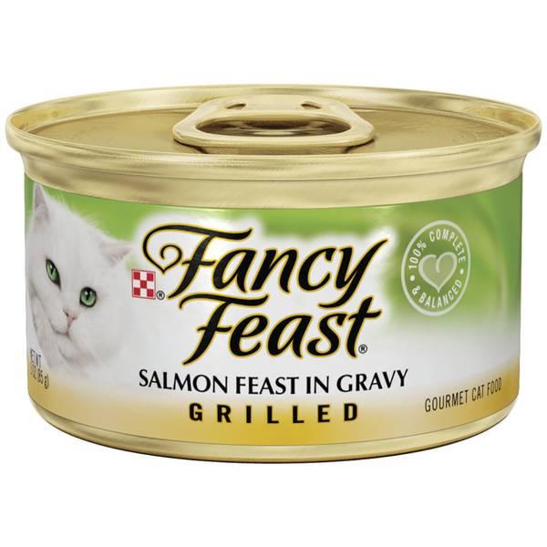 Grilled Salmon Feast In Gravy