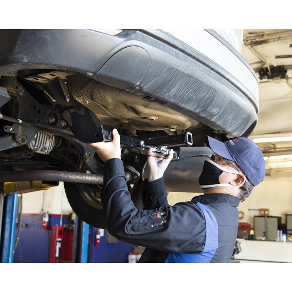 Automotive Service Center Receiver Hitch And Wiring Installation