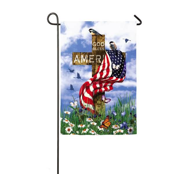 Suede 'The Patriots' Garden Flag
