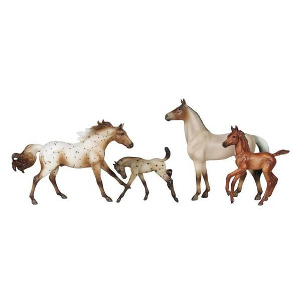 Classics America's Wild Mustangs Assortment